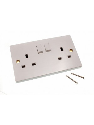 ELECTRIC SOCKET PLUG 13 AMP 2 - GANG DOUBLE SWITCHED WHITE